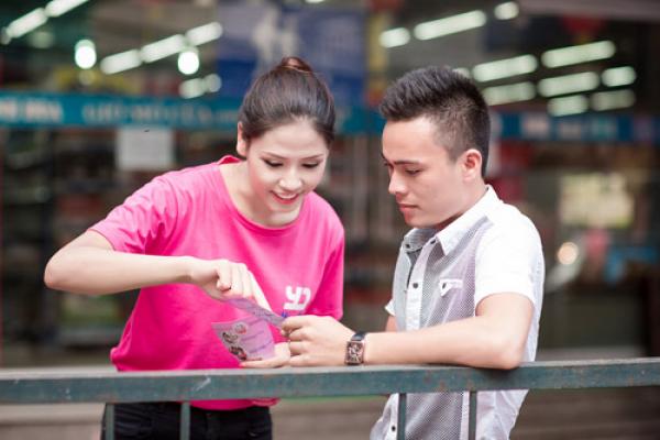 Dịch vụ phát tờ rơi Đà Nẵng - Linh Linh Đường