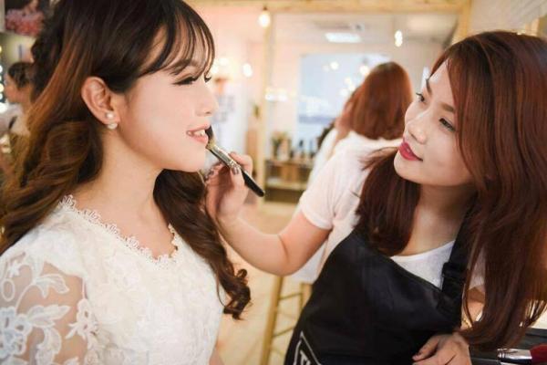 Loan Nguyễn Makeup Academy – Trang Điểm Cô Dâu Đà Nẵng