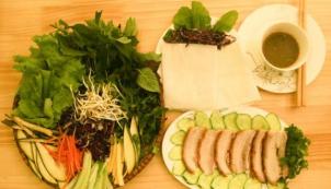 Khám phá 9 quán bánh tráng cuốn thịt heo nổi tiếng tại Đà Nẵng